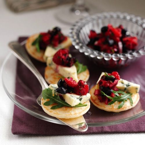 Best 25 christmas canapes ideas on pinterest christmas for Christmas canape