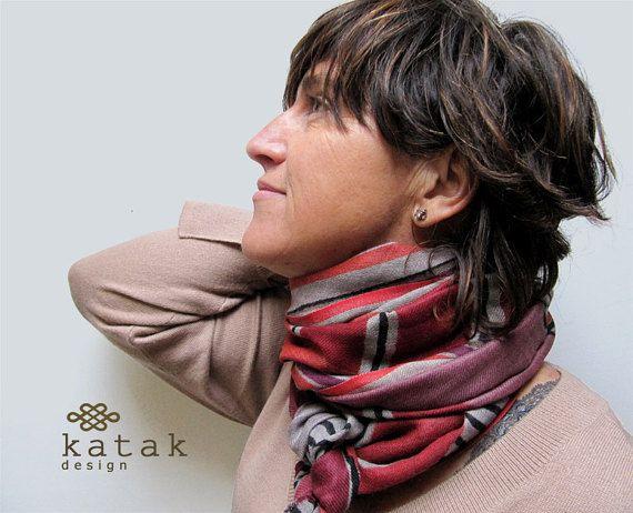 Pañuelo de Fina Lana y Seda con Estampado por katakdesign en Etsy