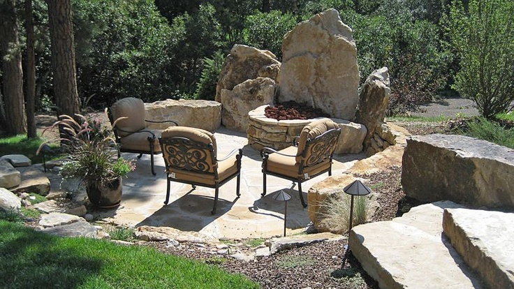 Lovely Fire Pit Setting