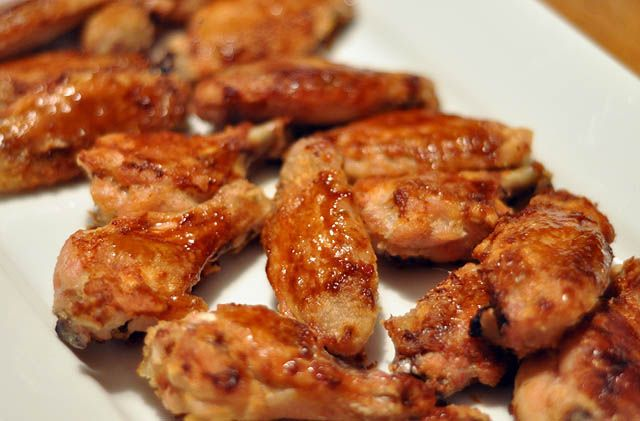 To accompany my grilled corn on the cob, I made chicken wingz. Tonights flavors: Asian Zing (BWW), Buffalo (SBR), & honey bbq (homemade).