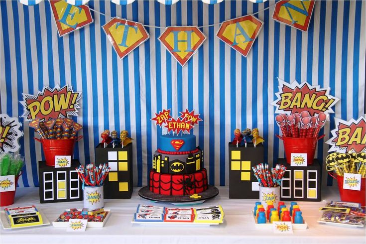 Superhero party favors superheroes party pinterest for Decoration chambre super heros