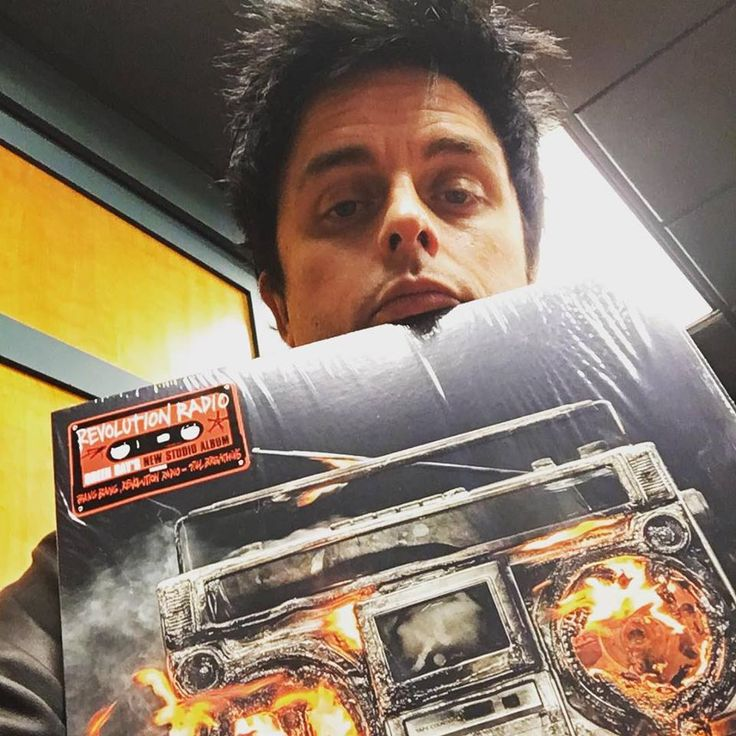 green day revolution radio album | Green Day release new album & video, played Fallon ++ crazy lines ...