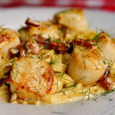 Pan Seared Scallops with Fettuccine in Bacon Fennel Cream Sauce - found via @Mary Powers Moc Steak & Seafood Company WOW! #fennelfriday #hgeats