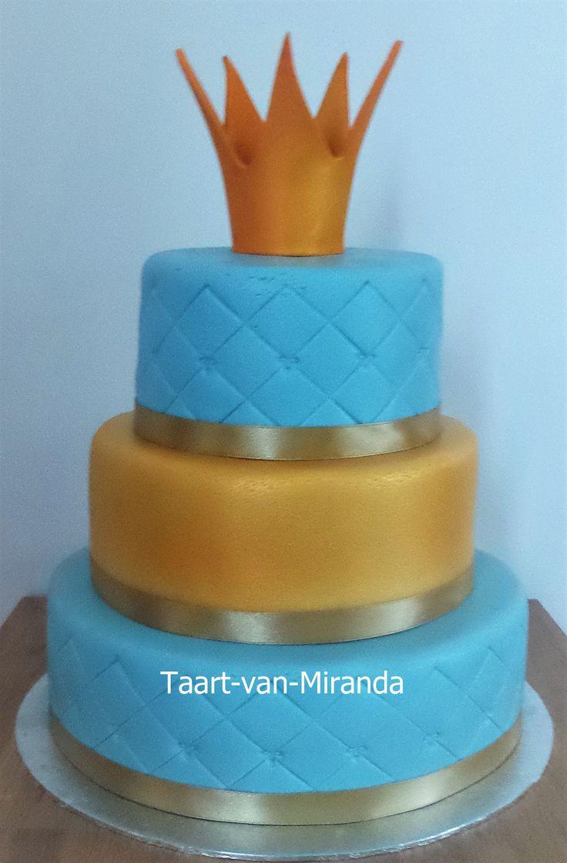 Babyshowercake Crown cake Gold en Blue Gouden kroon geboorte taart