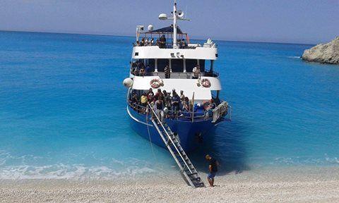 Exploring the unique beaches of Lefkada with Nidri Star I