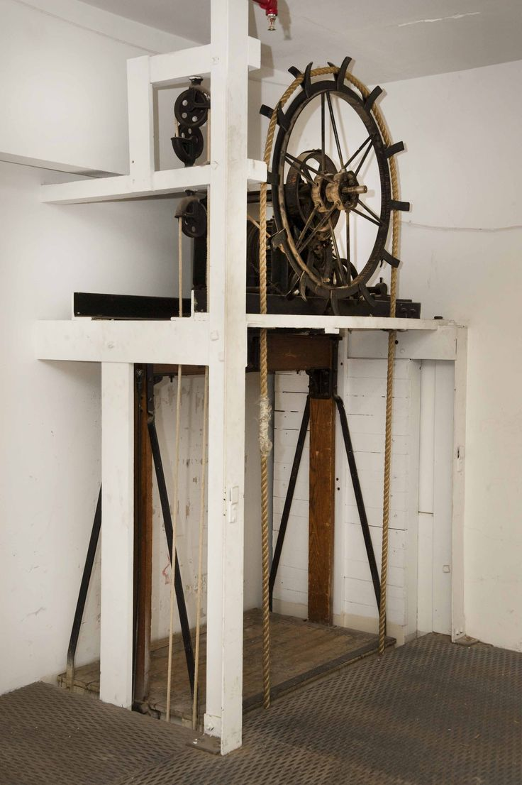 Old hand operated elevator i 39 d like one of these that for Dumbwaiter design plans