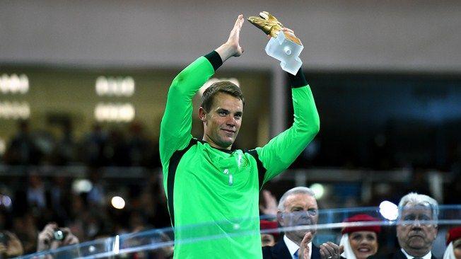 Le Gant d'Or adidas de la Coupe du Monde de la FIFA, Brésil 2014 est Manuel Neuer (GER). http://fr.fifa.com/worldcup/awards/index.html