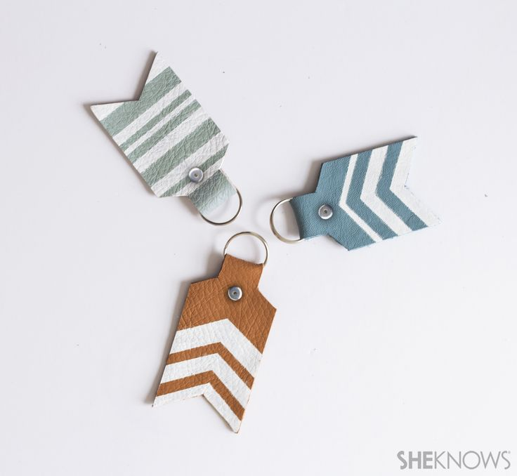 DIY painted arrow keychains