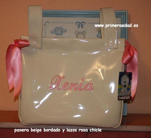 Panera/bolso charol beige bordado rosa chicle. http://www.primeraedad.es/b2c/producto/panchaper