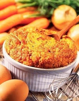 Receta de Soufflé de zanahorias. Como hacer Soufflé de zanahorias. Soufflé de zanahorias con salsa blanca. Hacer Soufflé de zanahorias facil, rapido y rico
