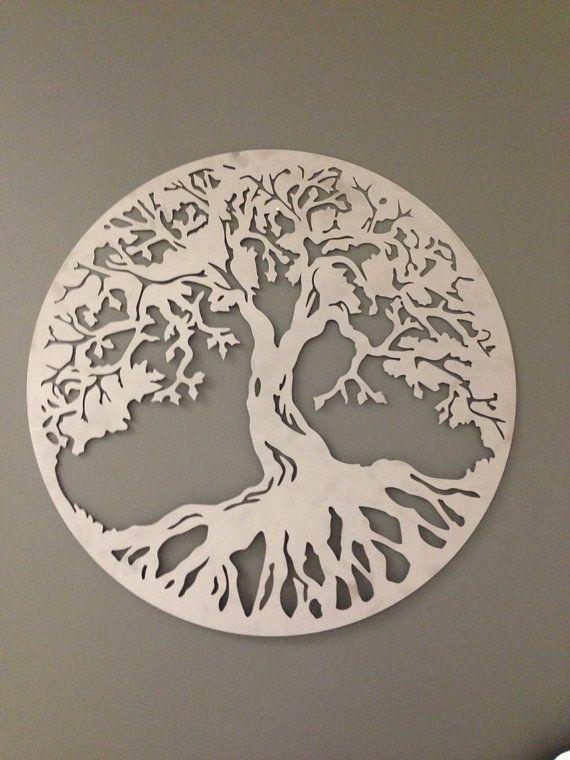 Arte de pared de metal industrial arte de pared de árbol de la vida! 24 X 24. Gran colgante de pared!  El árbol de la vida es un símbolo universal que puede encontrarse en la tradición espiritual de la mayoría de las culturas. A veces es un árbol cósmico que los místicos deben subir para entender a los dioses. Simboliza el árbol de la vida: Sabiduría Protección Belleza Redemption Abundancia Fuerza Gracia de Dios  Corte láser de calidad para lograr un uno de un bueno aspecto industrial…