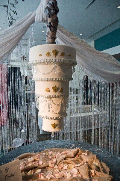 17 best ideas about Chandelier Cake – Cake Chandelier