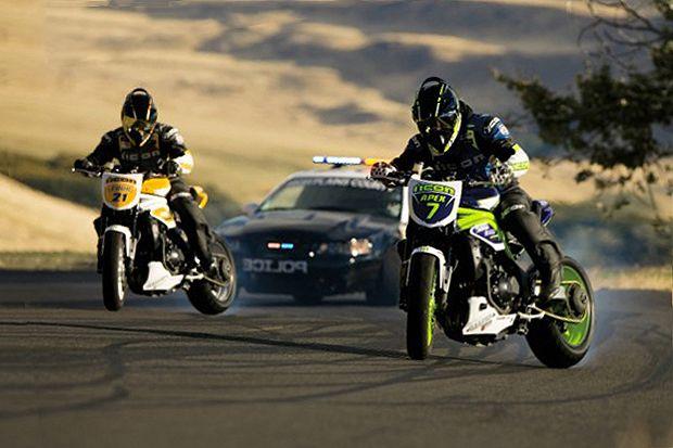 Icon Motorsports: Motorcycle vs. Car Drift Battle 2