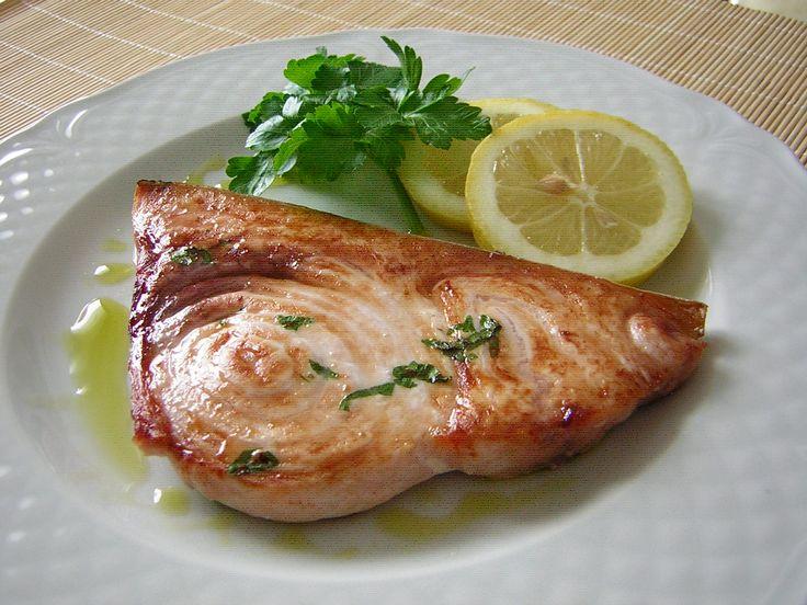 La cottura del pesce spada al grill ventilato del forno è semplice da fare e fa apprezzare tutto il buon sapore di questo pesce squisito,