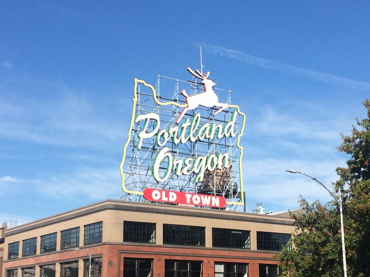 Portland sign in Old Town © Sarah Murphy