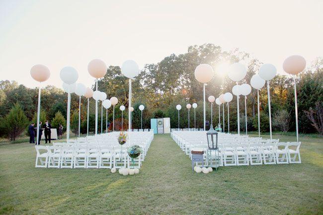 loooove: Helium Balloon, Outdoor Ceremony, Idea, Giant Balloon, Wedding Balloon, Big Balloon, Ceremony Decor, Giantballoon, Wedding Ceremony