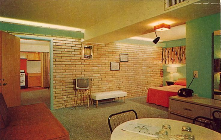 THUNDERBIRD MOTEL Just a few minutes from the medical center!    3157 Old Spanish Trail (Hi-Way 90-A)Houston, Texas Swimming Pool - Sun Deck - RestaurantKitchenettes - SuitesAir Conditioned - Spacious - Beautifully DecoratedFree T.V. and Radio Just a few minutes from medical center or downtown FOR A TEXAS HOLIDAY - UNSURPASSED NATURALLY