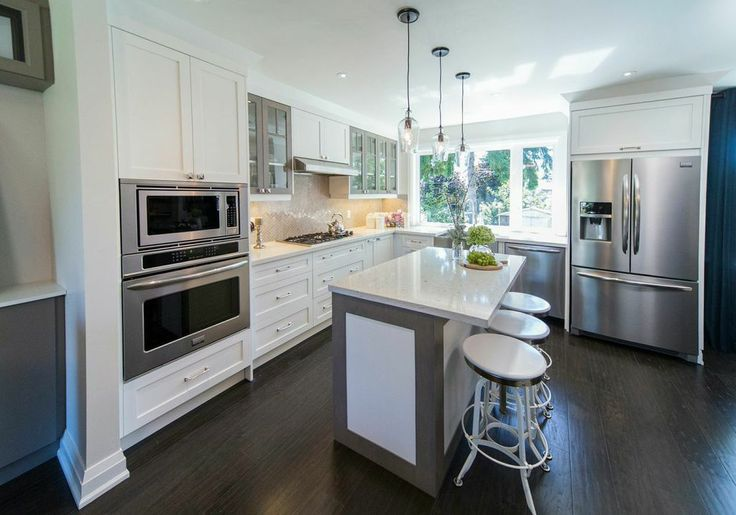 The Property Brothers installed San Marco's Oak Granite into this kitchen on episode 85 of season 4. San Marco's Oak Granite is a 3/8 inch, 100% engineered hardwood and carries Mullican Floorings lifetime finish warranty. To learn more about this product, please visit www.mullicanflooring.com