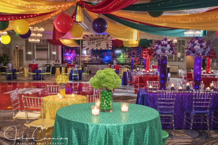 guests amid carnival themed decor - 735×490