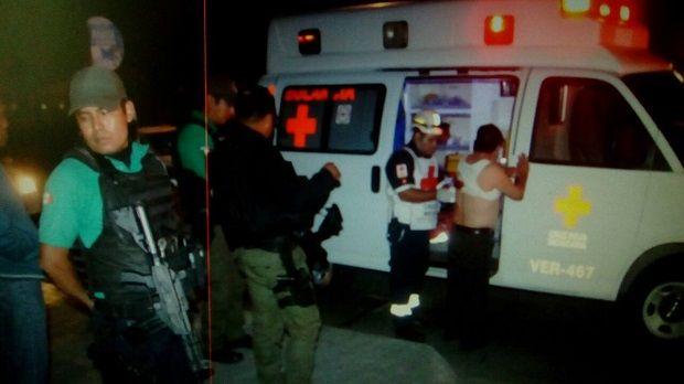 Lo atacan a navajazos para robarle en la Cazones en Poza Rica - http://www.esnoticiaveracruz.com/lo-atacan-a-navajazos-para-robarle-en-la-cazones-en-poza-rica/