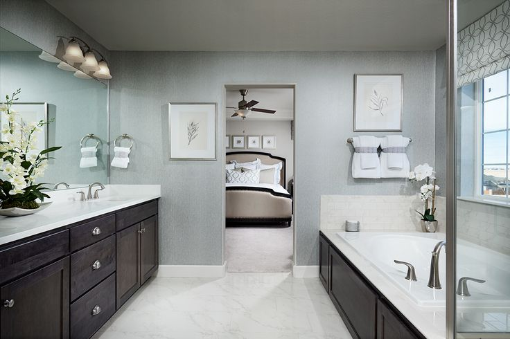 Spacious master bath with separate tub and shower, double sinks and ample storage. | Yorktown model home | Herriman, Utah | Richmond American Homes