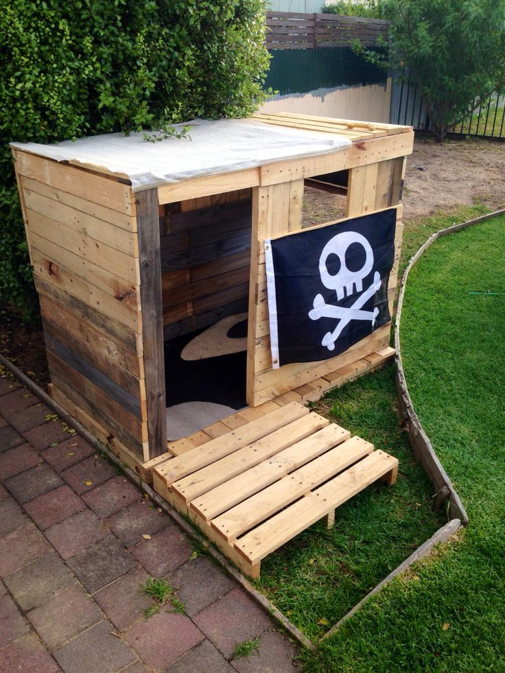 pallet cubby house - Google Search