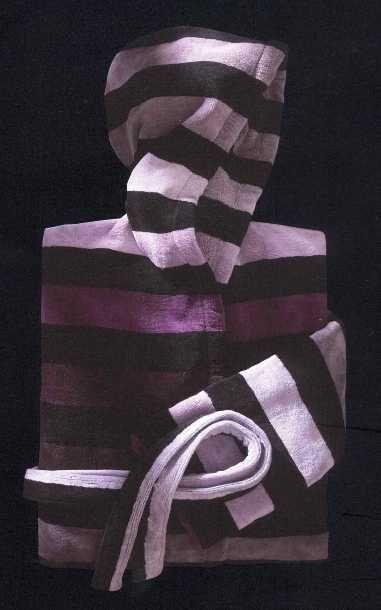 Et j'aimerais bien aussi une robe de chambre Sonia Rykiel (mais à votre place, j'opterais pour le hoodie LuluLemon, voir autre pin).