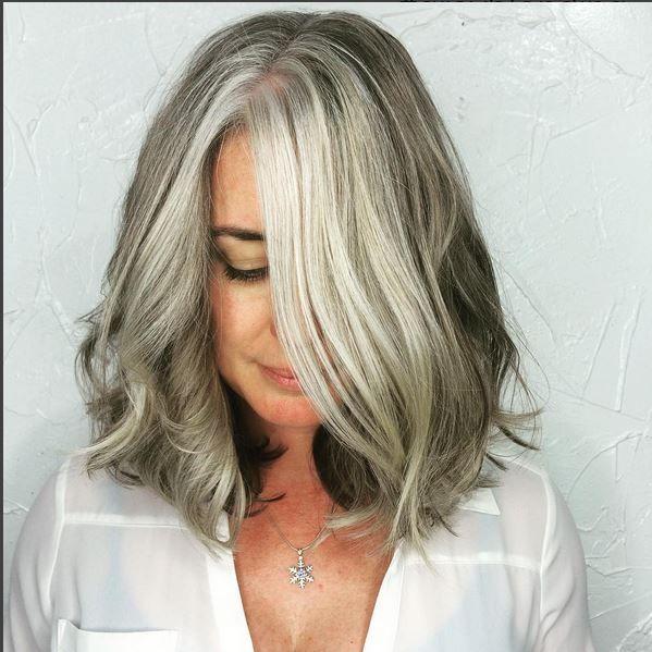 62 Best Grijs Haar Met Highlights Images On Pinterest White Hair