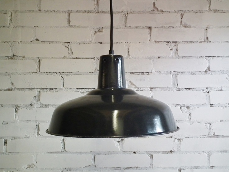 Emaille hanglamp uit fabriek in het zwart en groen in welke richting pinterest - Deco fabriek ...