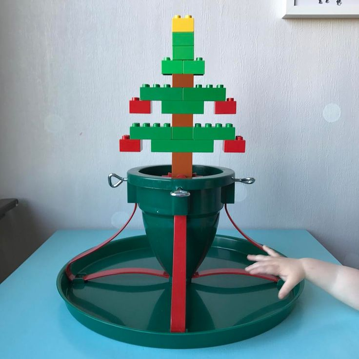 """Julgransplundring. When you throw out the Christmas tree in Sweden you say that you have a """"Christmas tree plundering"""". Duplo fur tree."""