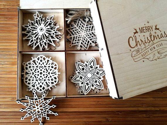 Wooden Snowflake Ornaments, Wood Christmas Decoration, Snowflakes, Christmas tree ornaments, Christmas Gift, Christmas Ornament, Set of 8-20