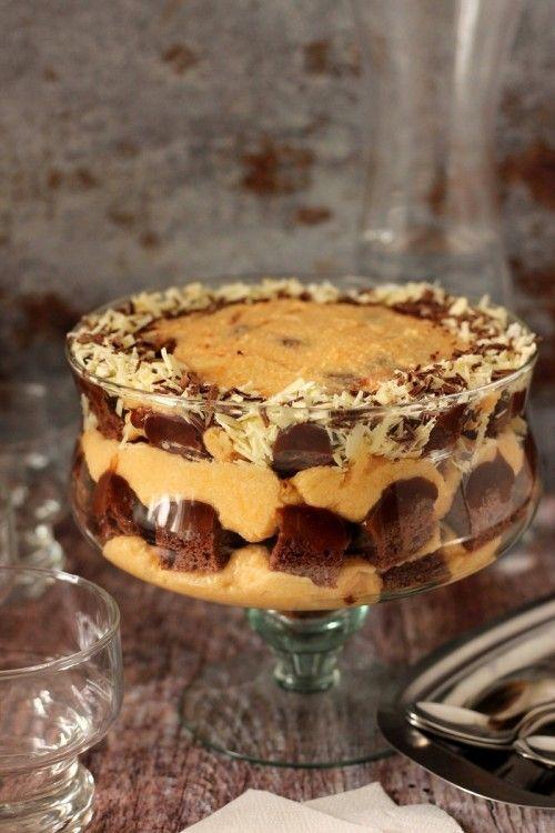 Datolyaszilva-krémes trifle recept