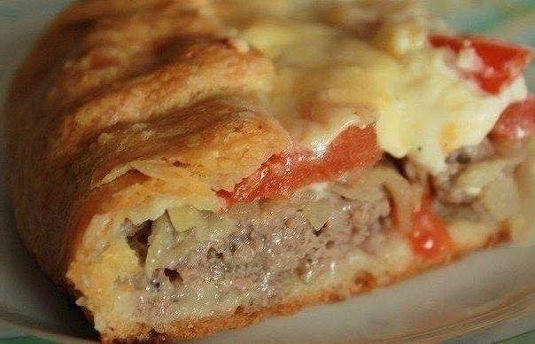 В этот раз мясной пирог будет не совсем обычный, а не обычность его в том, что тесто будем делать не такое, мы привыкли, а из картофеля... нежное картофельное тесто и много-много сочной и ароматной …