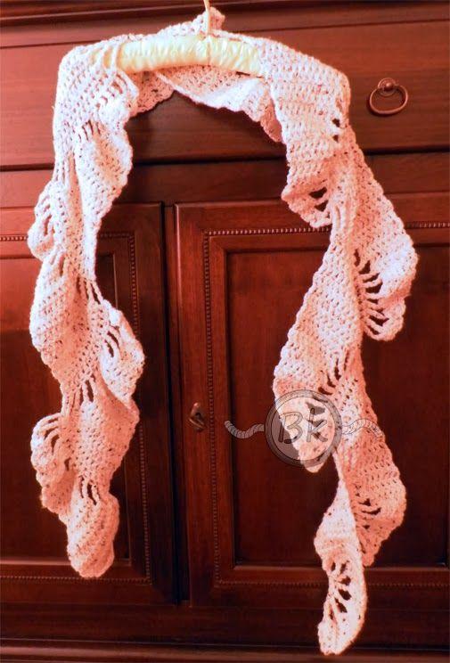 Berenike's Hobby: La prima sciarpa per l'inverno!!  http://berenikehobby.blogspot.it/2013/11/la-prima-sciarpa-per-linverno.html