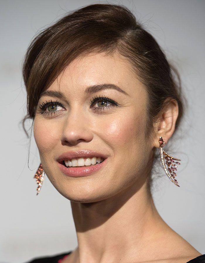 """Olga Kurylenko Stuns in Christian Louboutin """"Cora"""" Heels"""