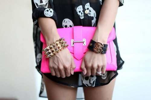 Sheer top addiction: Hotpink, Skull Shirts, Style, Pink Clutches, Outfit, Tory Burch, Hot Pink, Neon Pink, Pink Skull