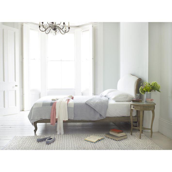 Slaapkamer en ledikant.