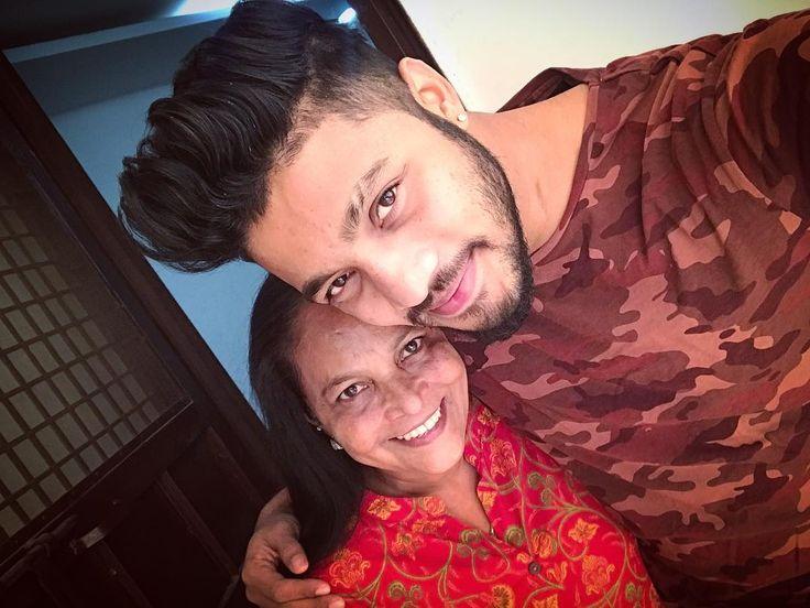 JanamDiwas सेल्फ़ी Birthday Selfie  with Mommy beautiful #raa #raftaar #mom #mumma #maa #mother #birthday #family #positive #ble