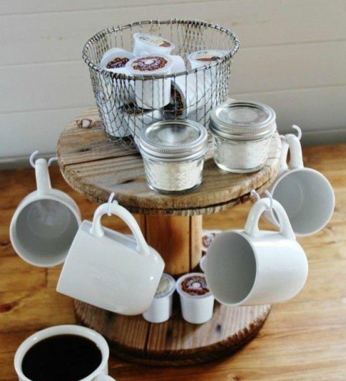 rangement en bois pour vos tasses de café, un support pose café pour votre cuisine, idée que faire avec un touret