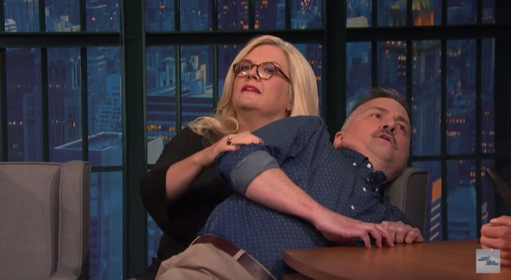James Anderson and Paula Pell Perform Tricks on 'Late Night'