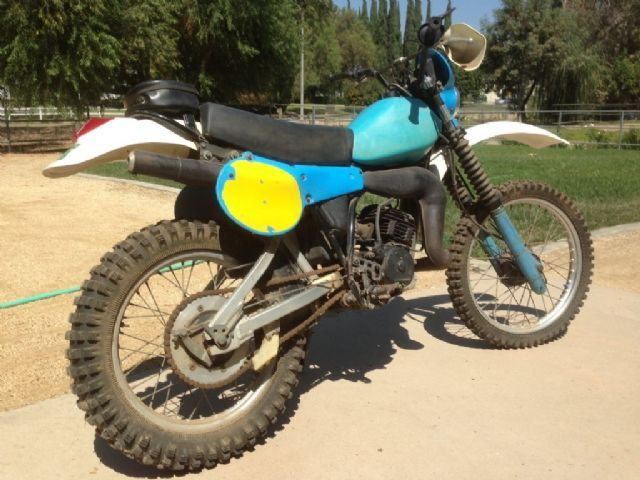 1981 yamaha it 175 dirt bike blue white for sale in la mirada ca dirt bikes pinterest. Black Bedroom Furniture Sets. Home Design Ideas