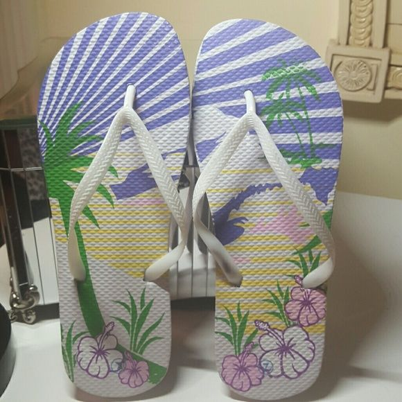 Hawaiian Flip Flops Pretty/Care free flip flops. Perfect for vacations or    for when you go to get your pedicures :) Shoes Sandals
