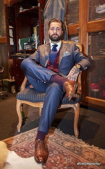 Dormeuil Suit, Oscar Hunt Shirt, Churchs Consul Shoes, Hallensteins Cardi, Rede Socks, Omega Vintage Watch, Paolo Albizzati Wool Tie