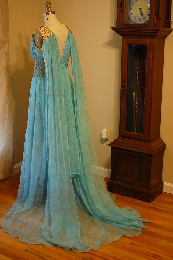 tavariel design - daenerys targaryen blue and gold dress costume replica from game of thrones