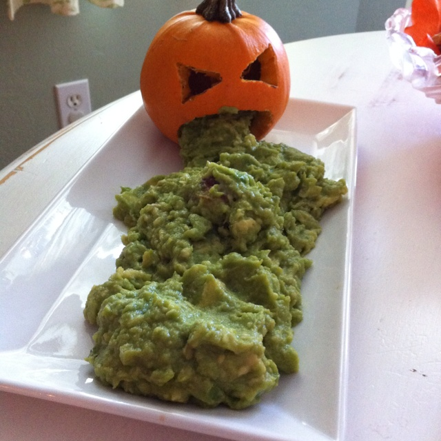 lolHoliday Ideas, Parties Dips, Halloween Parties Ideas, Food Ideas, Pots Luck Ideas For Work, Halloween Foods, Kids, So Funny, Halloween Guacamole