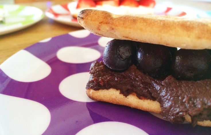 Flat Bread Healthy S'Mores - Blueberry and Chocolate Spread