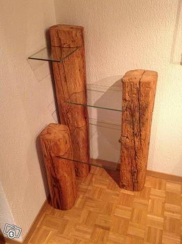 Cooles Eckregal aus massivem Holz und modernen Glasplatten. #holz #modern #wohnen