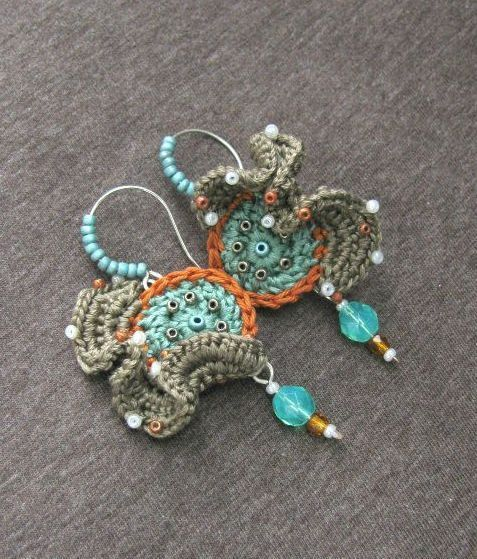 Rouched+Crochet+earrings+turquoise+taupe+aqua+by+perlinedisaggezza,+€27.00