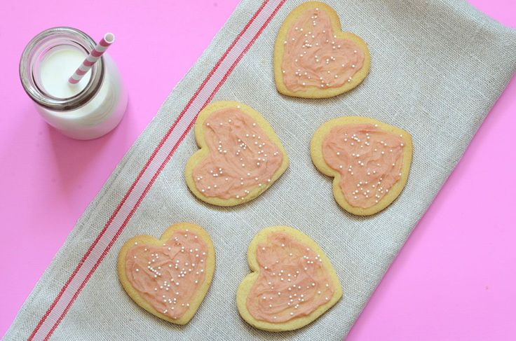 Gaps legal Gluten-free, dairy-free Paleo Sugar Cookies are made with heart healthy almond flour and coconut oil, and are perfect for Christmas and Valentine's Day!