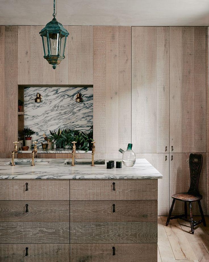 Limed oak & veined Arabescato marble kitchen, Chan + Eayrs   The Weavers House